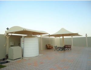 مظلات خزانات مياه في خميس مشيط