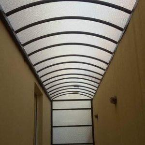 مظلات مداخل شفافة